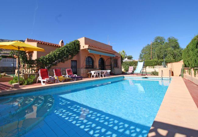 Villa en Calpe - Vazquez