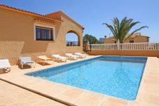 Villa in Calpe / Calp - Las Rocas